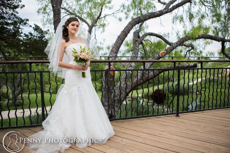 Bridal Portraits outdoor at TerrAdorna in Manor, TX