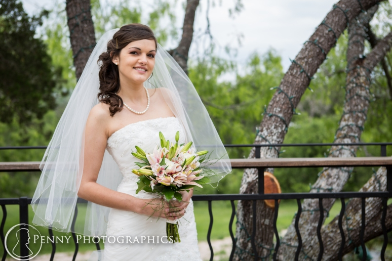 Bridal Portraits outdoor at TerrAdorna in Manor, TX