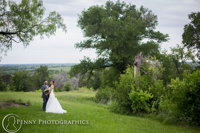 Wedding photos outdoor trees at TerrAdorna in Manor, TX