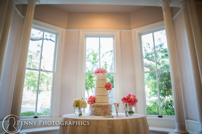 4 tier wedding cake with pink flowers from Bluenote Bakery at Allan house in Austin, TX