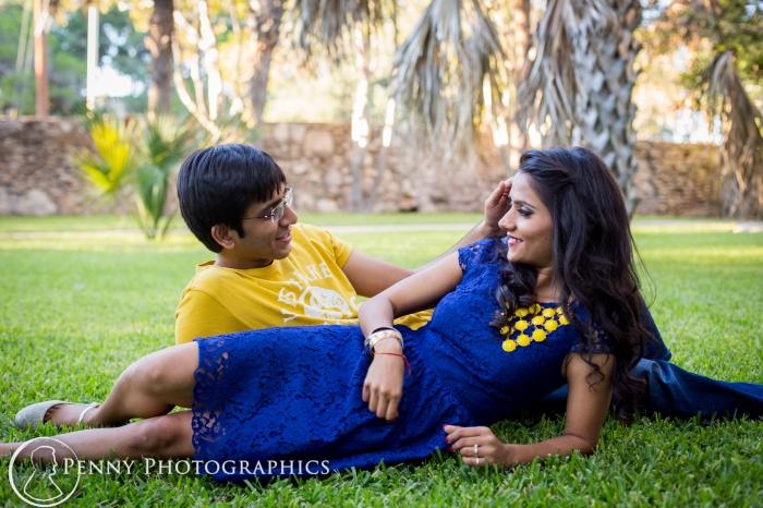 engagement photos outdoor in a garden