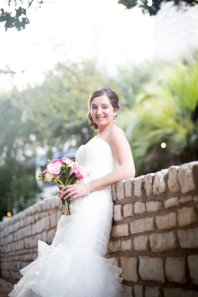outdoor-bridal portraits in Austin TX