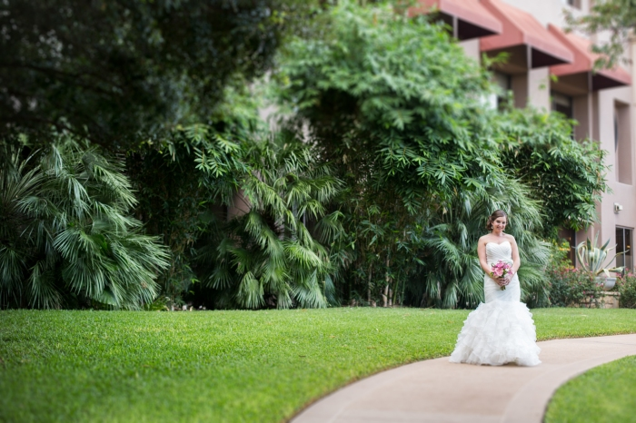 bridal portraits in a garden