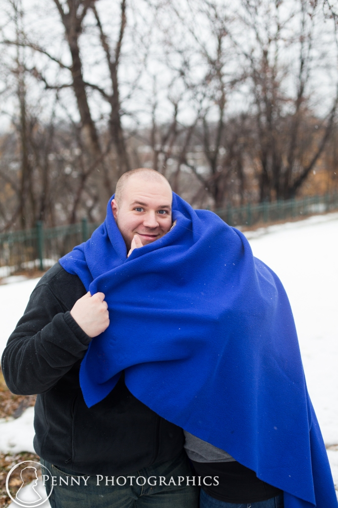 photos with a blanket during winter session Minnesota