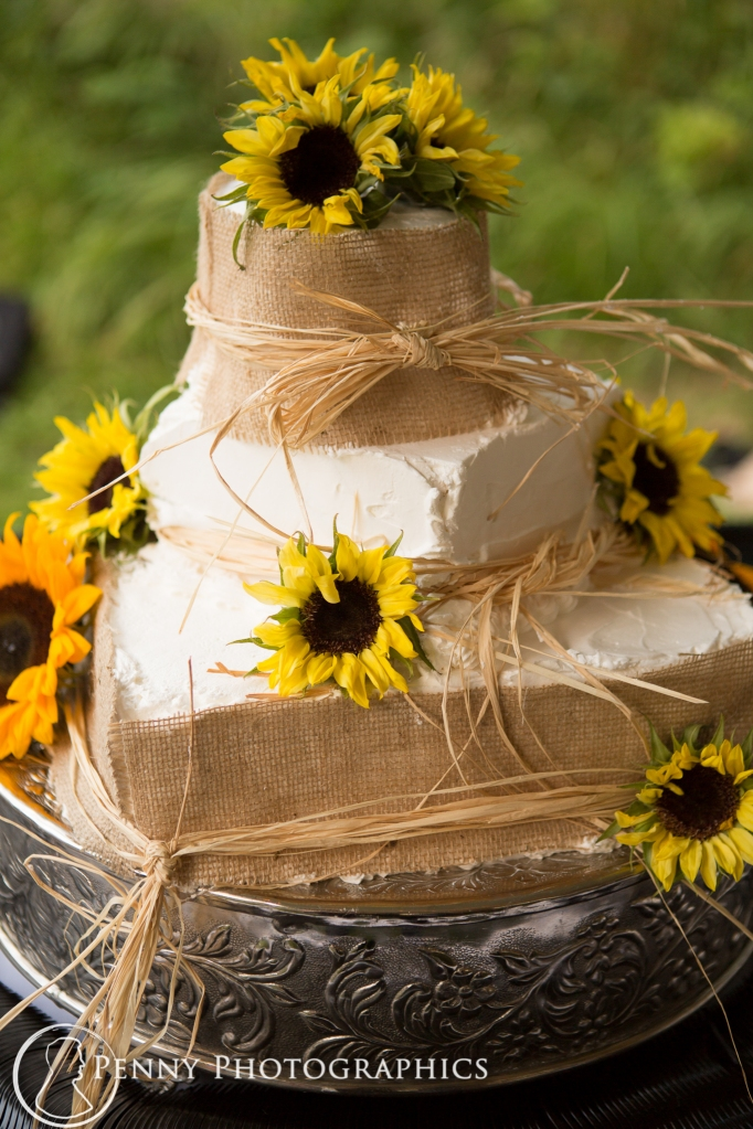 Wedding cake with sunflowers-Minnesota