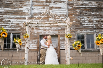 Couple at the barn alter outside Minneapolis