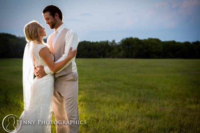 romantic-bride-groom-open-field