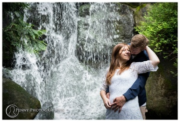 romantic photo by waterfall in Minneapolis MN